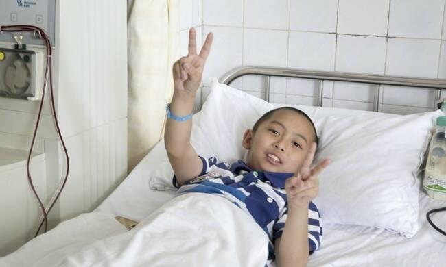 """9岁男孩捐髓救父:""""只要能救爸爸,抽多少都可以"""""""""""