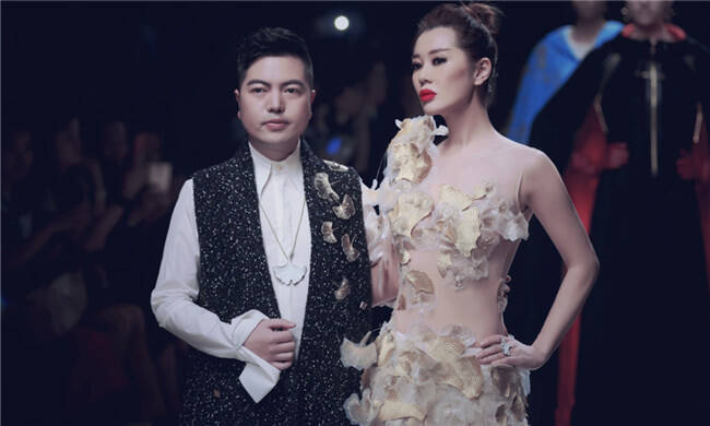 中国最好的女演员第一次登台走秀