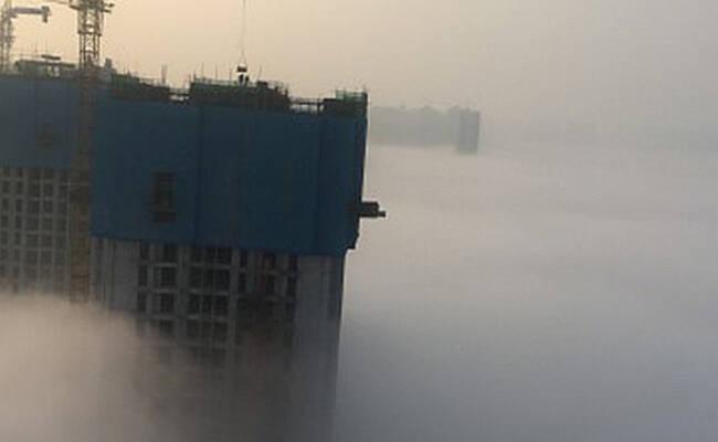 西安大雾 网友:连墙都看不见了