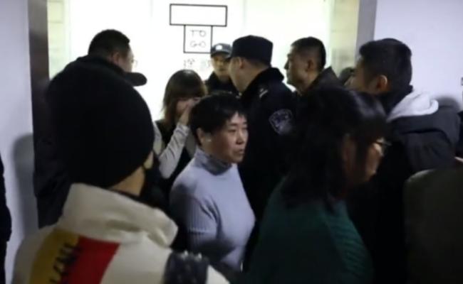 押金退不了 共享汽车公司遭用户堵门