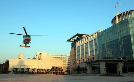 """台湾黑鹰直升机演练""""国防部""""起降 预防被斩首?"""