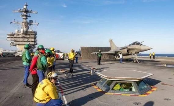 法国舰载机蹭美国航母 俄罗斯:我们也想去中国