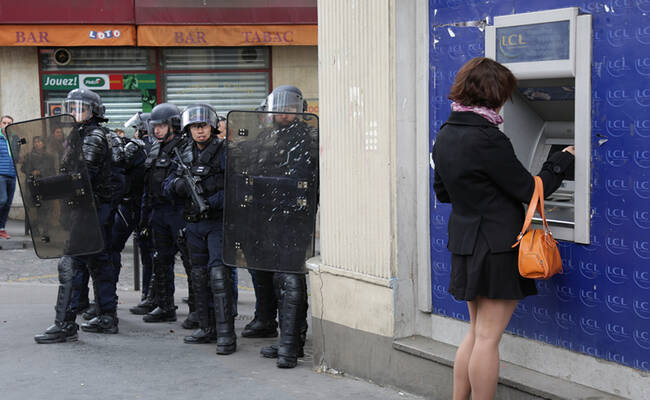 法国大选首轮投票前的巴黎