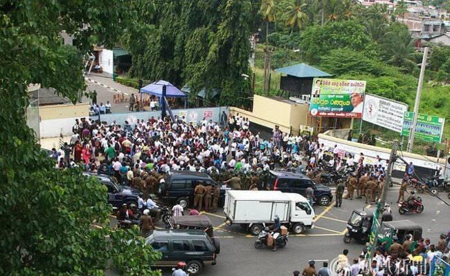 斯里兰卡工人罢工 抗议向中印出售油库