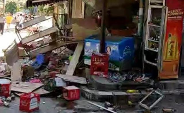 珠海一店铺爆炸现场 已致1死7伤丨现场图