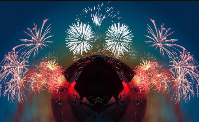 英国摄影师制作极坐标全景烟花图丨高清图