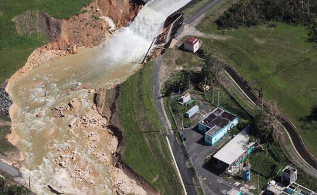 """飓风""""玛利亚""""致波多黎各水坝溃决 7万人疏散丨现场图"""