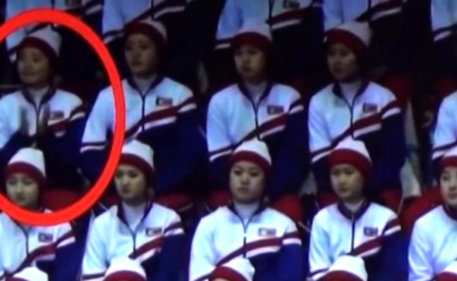 错为美国人鼓掌 朝鲜啦啦队员被提醒