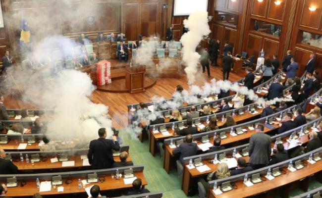 科索沃:一场真正硝烟四起的议会