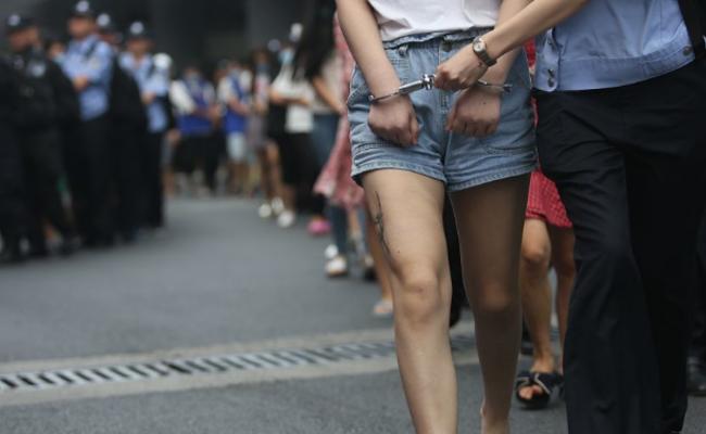 161名犯罪嫌疑人被押解回杭州