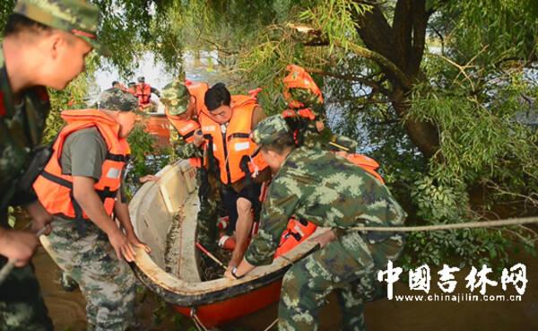 中国边防部队进入朝鲜领土救人