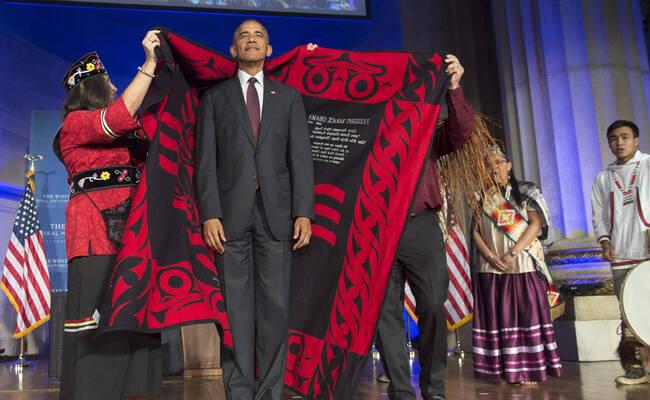 """奥巴马""""红袍加身""""一幕"""