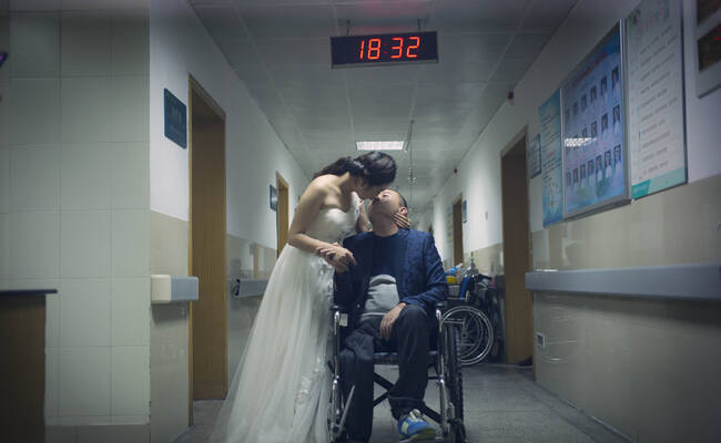 一张特殊的婚纱照