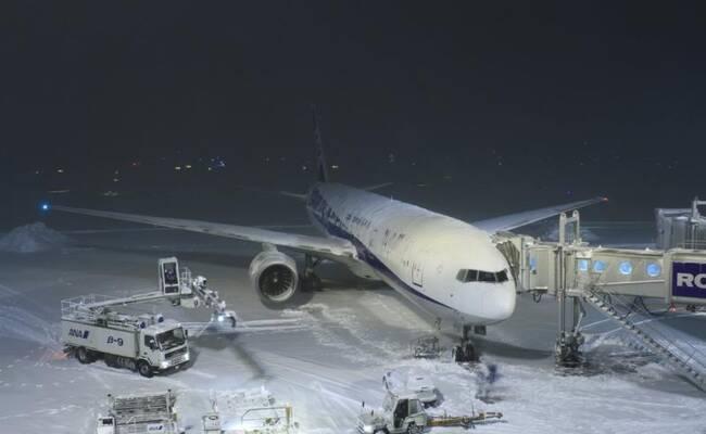 日本北海道遭50年未遇大雪