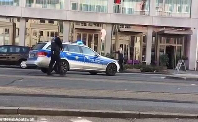 男子开车撞死行人后逃离 被警察开枪击倒
