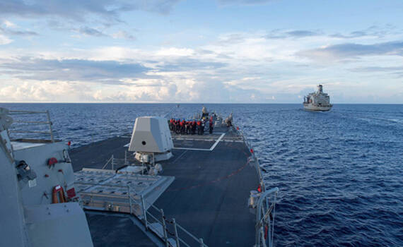 美军舰驶入南海美济礁12海里 特朗普任内首次