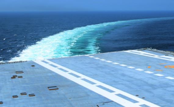 国产航母首航展现关键技能 危急关头能救命