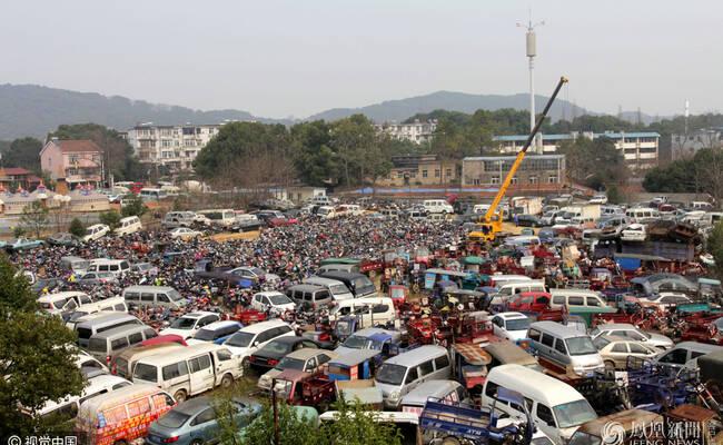 探访武汉事故车辆停车场