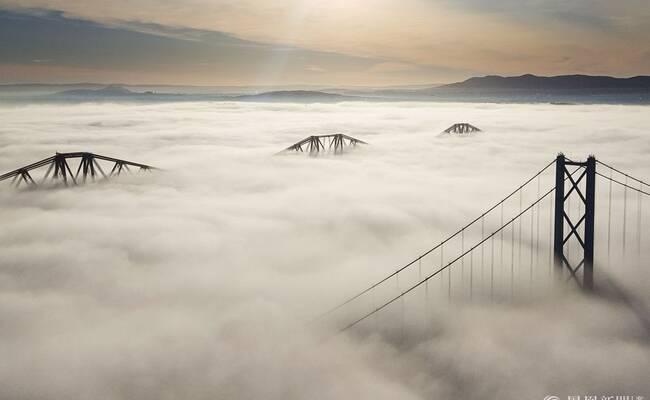 建筑工人拍摄福斯桥云海