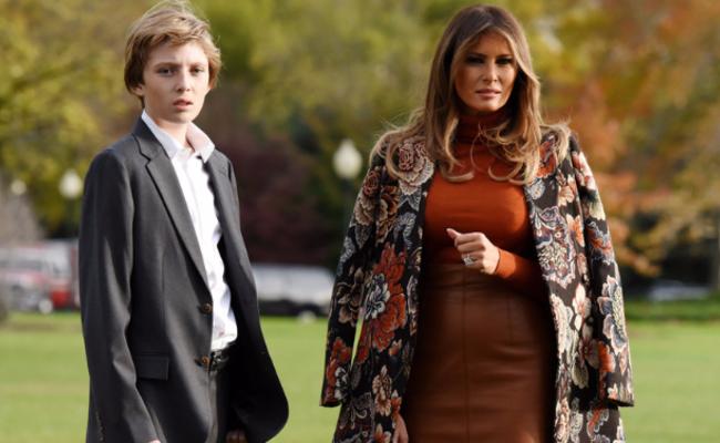特朗普携家人离开白宫度假