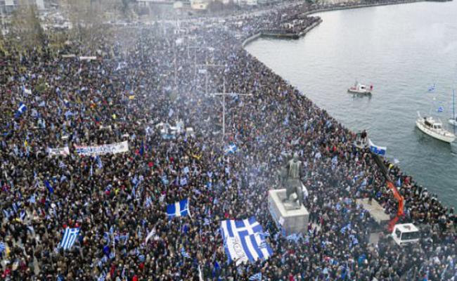 为了一个名字,希腊5万人上街游行