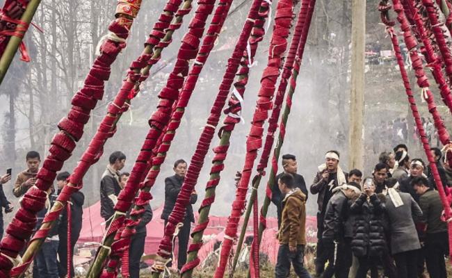 贵州:数百万响爆竹集中燃放一幕