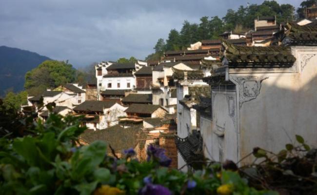 仅有300人的山崖古村 全村只有一个姓