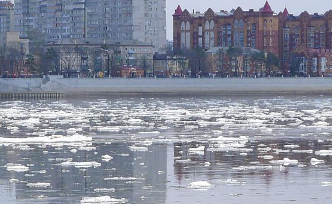 5月,黑龙江河道现大面积冰排