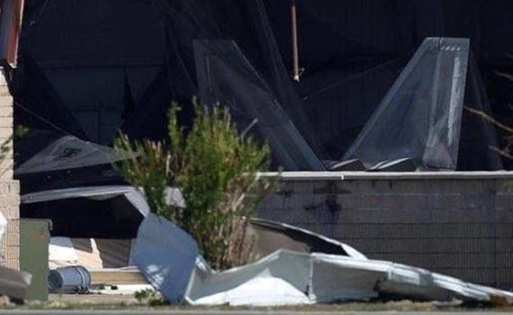 没处藏没处躲!美军多架F22战机在飓风中受损