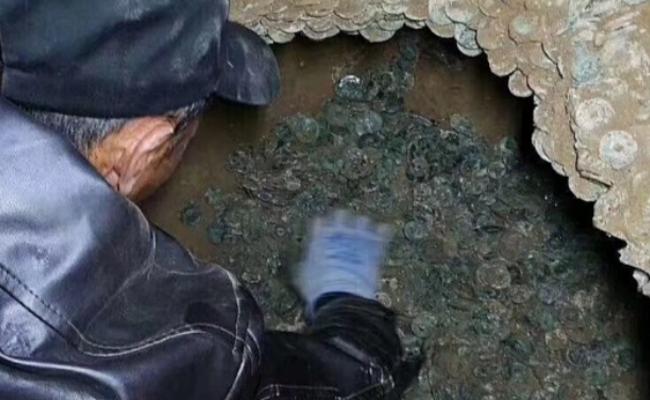 陕西:工地现10万枚古币 重920斤