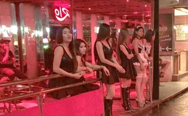 这里是现在的泰国红灯区