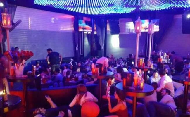 墨西哥夜店发生枪击事件现场