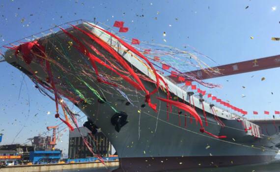 巨龙入海!中国首艘国产航母正式下水