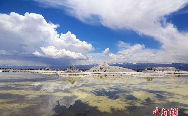 """中国版""""天空之镜""""青海茶卡盐湖开园"""