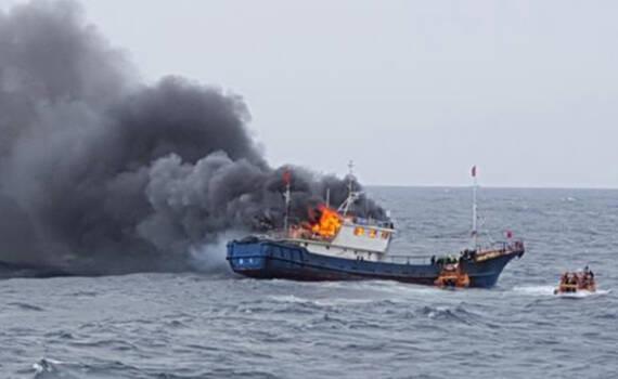 这名船长渔船遭韩海警攻击 船员死3人 自己被判入狱1年半