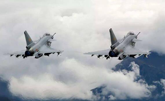 凤凰军机处∣挂国产新导弹,歼十能扛日本F35吗?