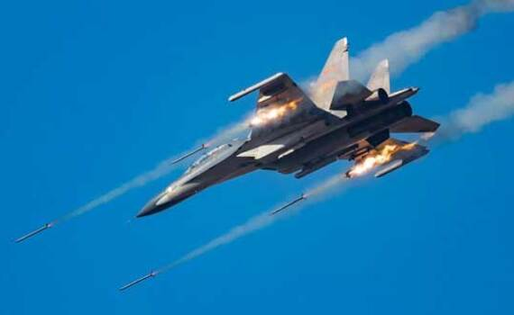 解放军战机又打火箭了 角度前所未有