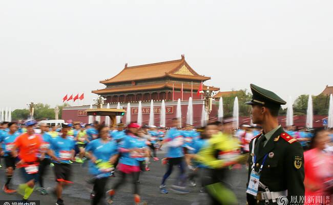 20000人北京国际长跑节现场