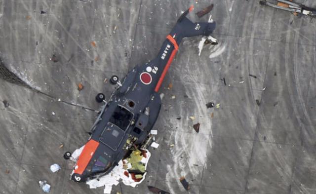 日本自卫队一直升机高空坠落丨现场图