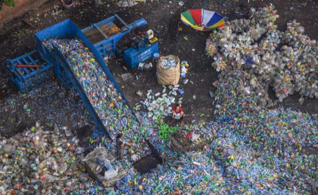 航拍北京郊区垃圾回收站丨组图