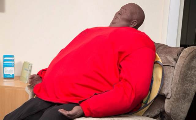 为了救胖子,救援部门买了这些300斤模特|组图