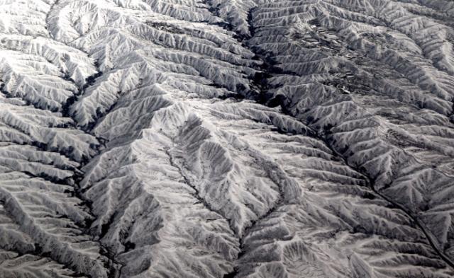 航拍雪后黄土高原丨现场图