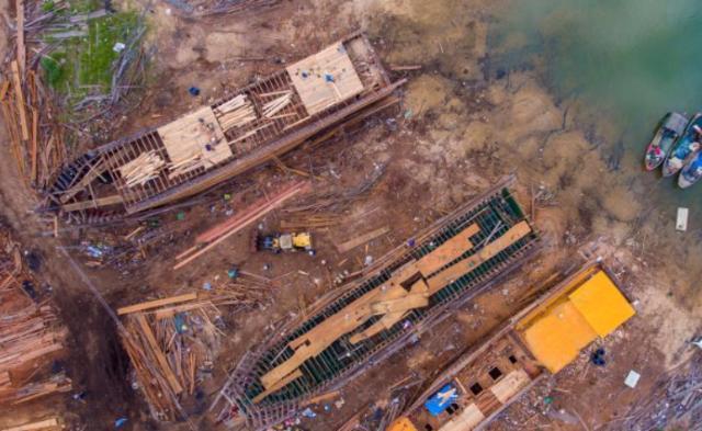 海南造船厂手工打造百吨木船 被列非遗名录丨组图