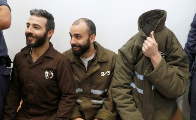 法国外交人员被以色列逮捕 不敢露脸