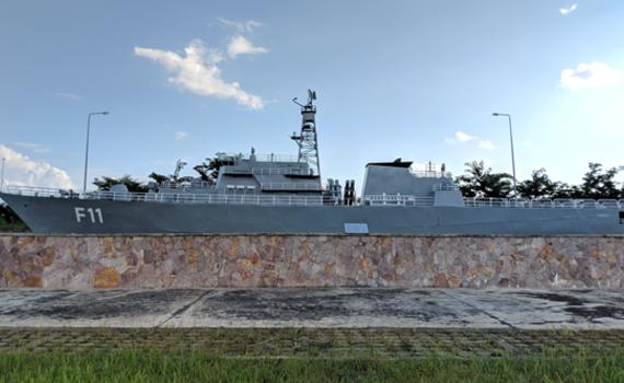 """緬甸建成世界最大軍事博物館 """"中國戰艦""""上岸"""