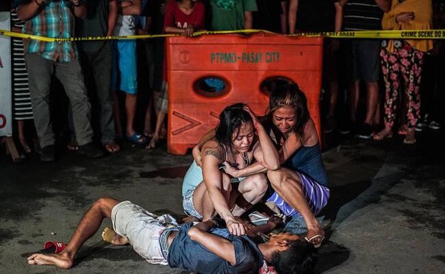 这里一个月300名毒贩被杀 尸体遍布街道