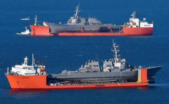 """你也被撞残了?美军两艘""""残废""""军舰坐半潜船相遇"""