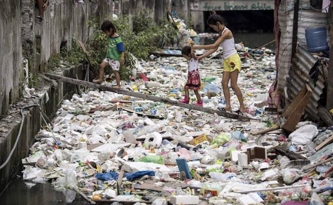 触目惊心!贫民窟河流如同垃圾填埋场