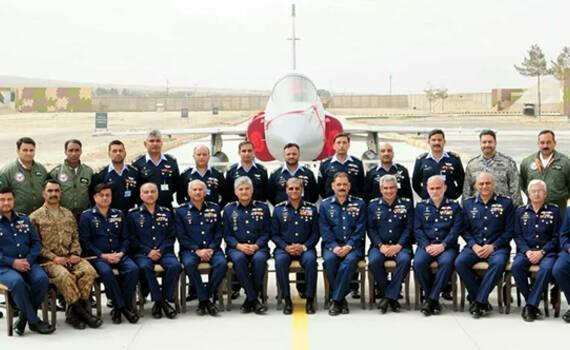 巴基斯坦成立新枭龙战机中队 护航中巴经济走廊