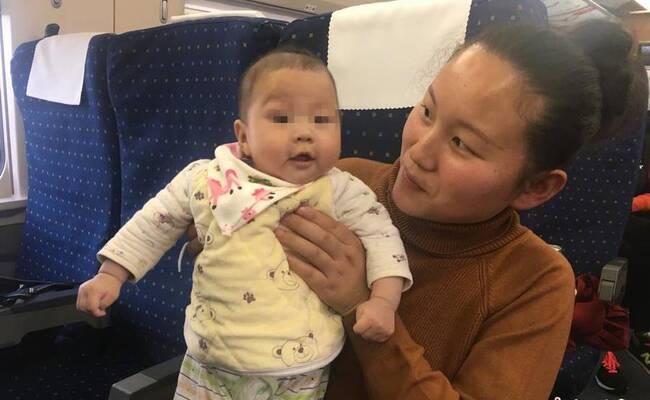 湖北90后人大代表携百日萌宝进京参会
